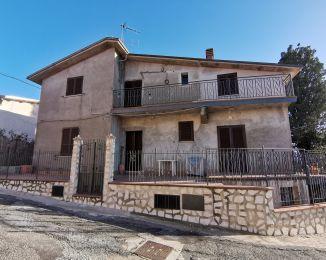 Villa in vendita, via Taverna  15, Poggio San Lorenzo