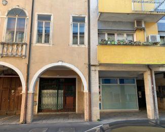 Terratetto plurifamiliare in vendita, via Beato Pellegrino  29, Piazza Mazzini, Padova