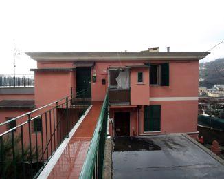 Trilocale in vendita, via Campodonico  35, Bolzaneto, Genova