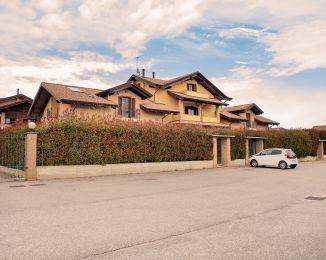 Appartamento in vendita, via Tiburzio Garrone  4, San Benigno Canavese