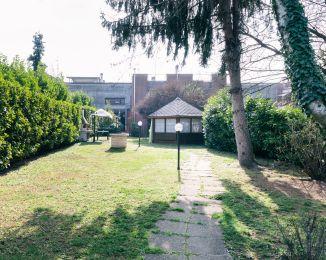 Villa in vendita, via Vecchia Comasina  29, Cesate