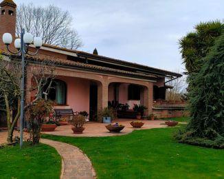 Villa in vendita, Contrada Colle Pigna, Giulianello, Cori