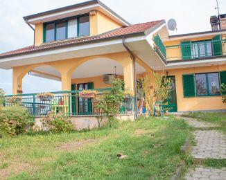 Villa in vendita, Lauriano  Borgata Crosi 1, Crosi, Lauriano
