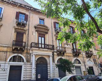 Appartamento in vendita, via Plebiscito  23, Centro Storico, Catania