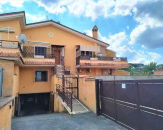 Trilocale in vendita, via Primo Maggio  62, Castelluccia, Marino