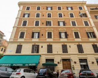 Trilocale in vendita, via Santamaura  7, Prati, Roma