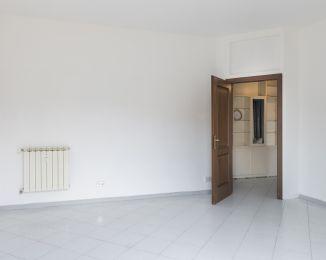 Trilocale in vendita, Alzaia Naviglio Pavese  118, Navigli, Milano