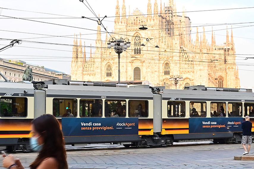Rockagent sulla metro di Milano